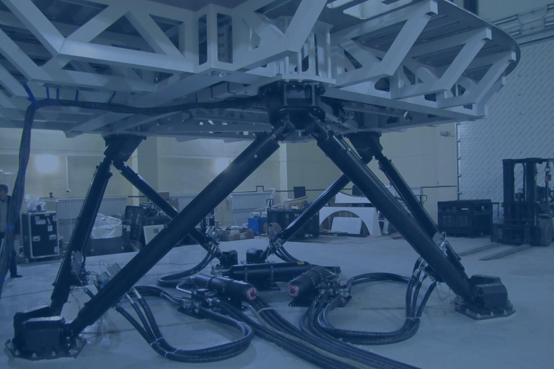 Realizace simulátoru pro výcvik pilotů. Systém HEXAPOD